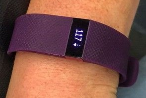 fitbit-charge-hr-purple-arm